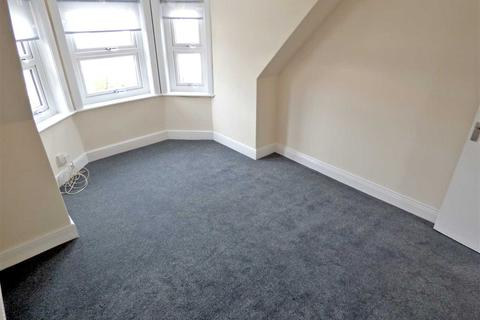2 bedroom apartment to rent - Holdenhurst Road, Bournemouth