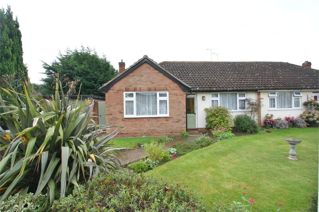 2 Bedrooms Semi Detached Bungalow for sale in Cotmore Gardens, Thame, OX9