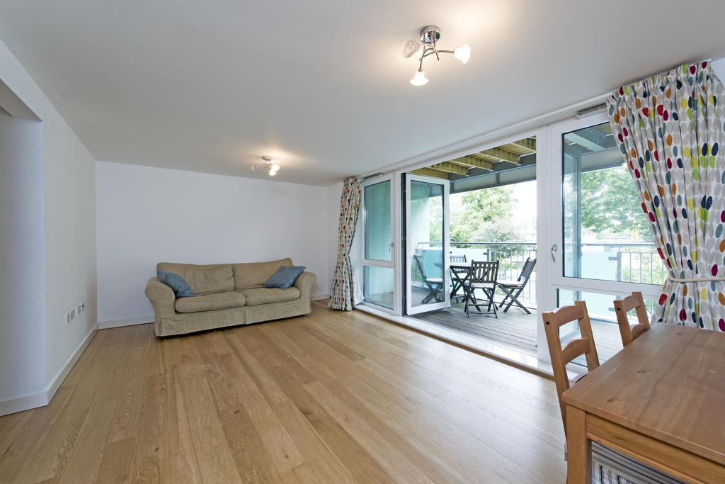 2 Bedrooms Flat for sale in Clarence Avenue, SW4