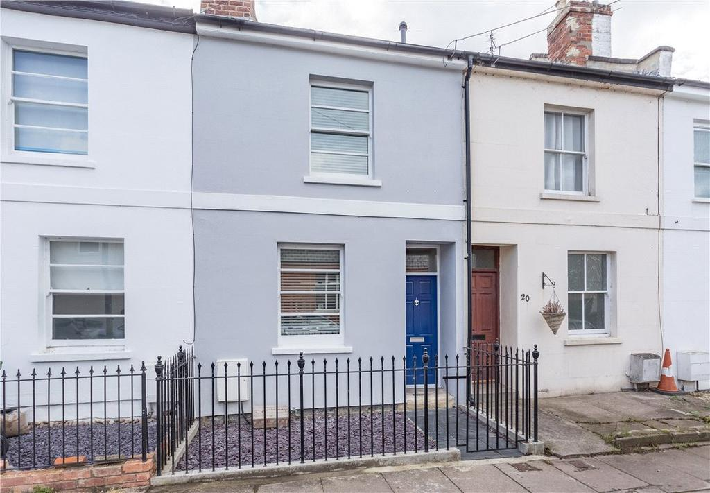 3 Bedrooms Terraced House for sale in Moorend Street, Cheltenham, Gloucestershire, GL53