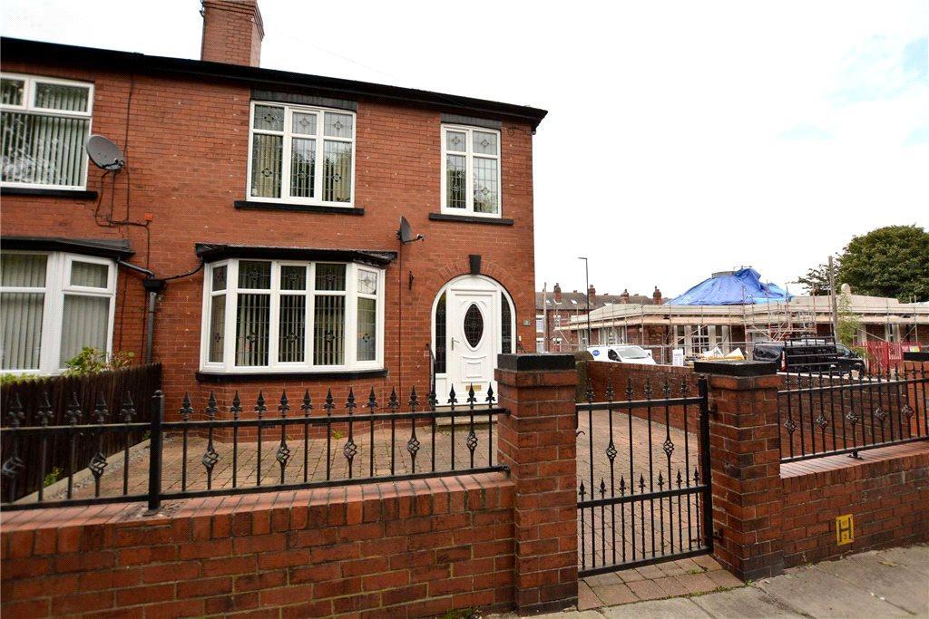 3 Bedrooms Semi Detached House for sale in Warrels Road, Leeds, West Yorkshire