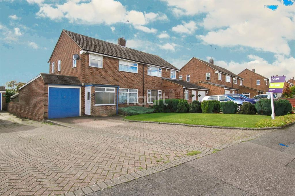 3 Bedrooms Semi Detached House for sale in Sawtry Close