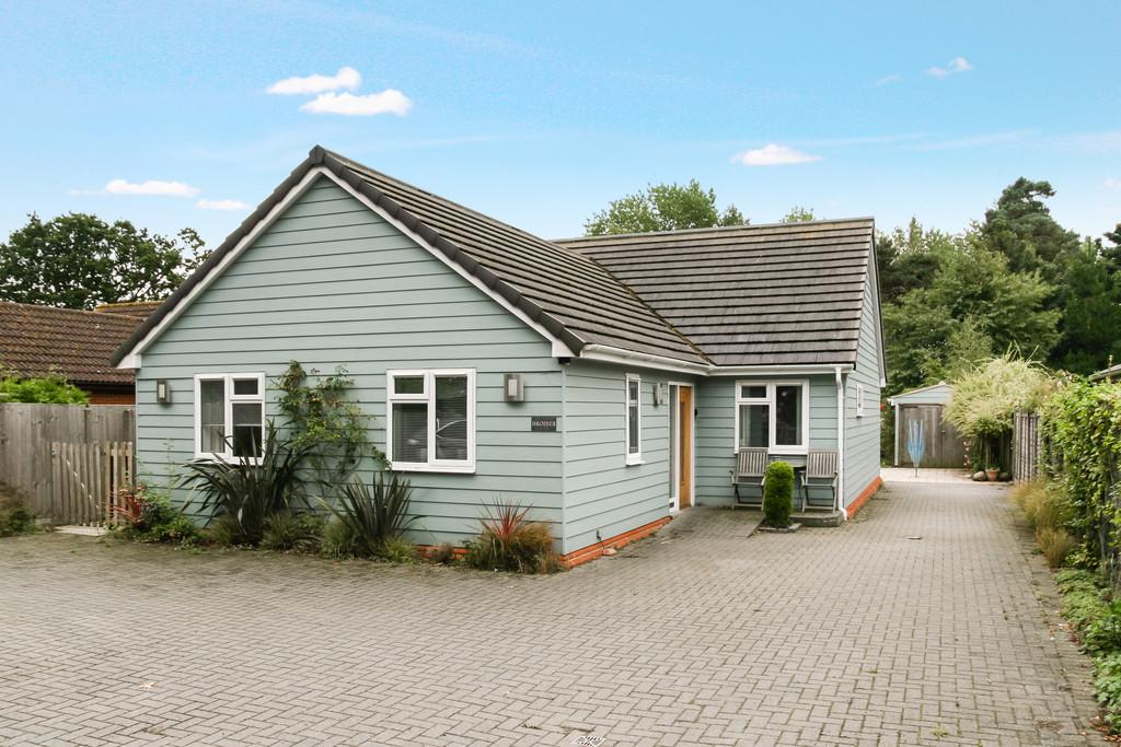 3 Bedrooms Detached Bungalow for sale in Snape, Nr Heritage Coast