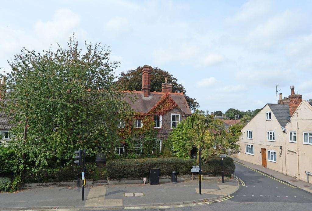 6 Bedrooms Town House for sale in Saxmundham, Suffolk