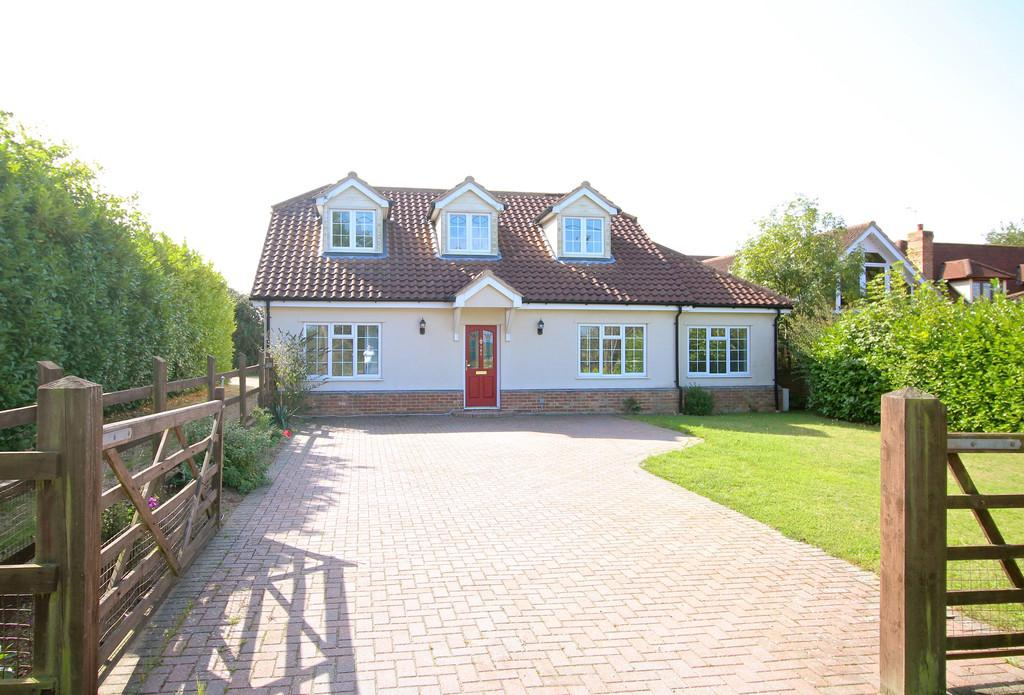 4 Bedrooms Chalet House for sale in Main Road, Kesgrave