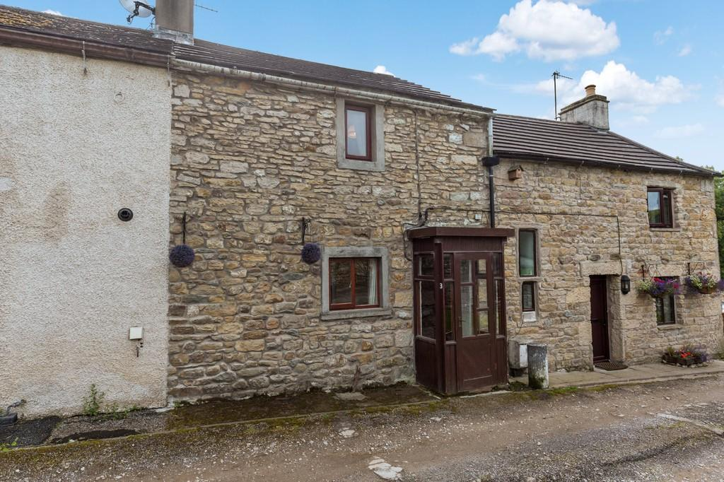 2 Bedrooms Terraced House for sale in 3 Green Head Cottages, Cross Lane, Lower Bentham, LA2 7ES