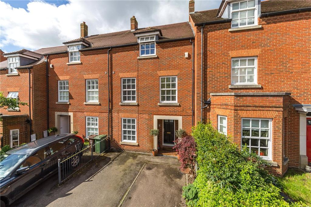 5 Bedrooms Terraced House for sale in Goldsmith Way, St. Albans, Hertfordshire