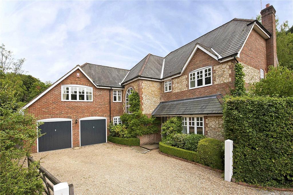 5 Bedrooms Detached House for sale in Bournewood Park, Bourne Grove, Lower Bourne, Farnham, GU10