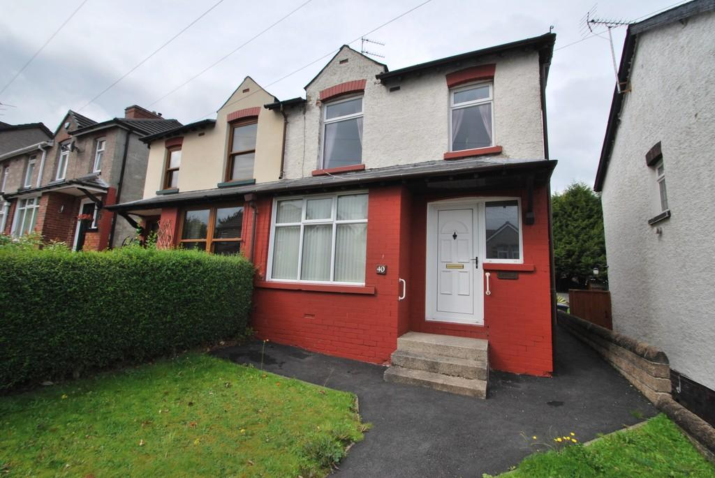 3 Bedrooms Semi Detached House for sale in Sitwell Avenue Stocksbridge Sheffield