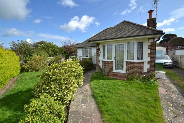3 Bedrooms Detached Bungalow for sale in Upper West Drive, Ferring, West Sussex, BN12 5RH