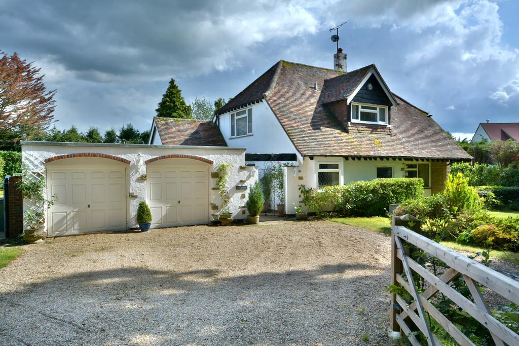 4 Bedrooms Detached House for sale in West Chiltington