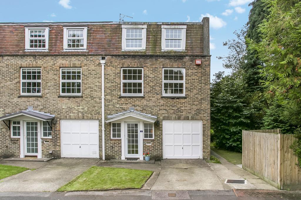 4 Bedrooms Town House for sale in Shepherds Walk, Tunbridge Wells