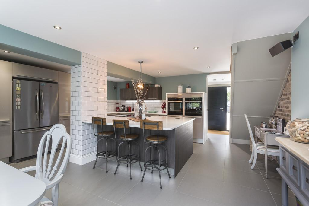 4 Bedrooms Detached House for sale in Repton Road, Newton Solney