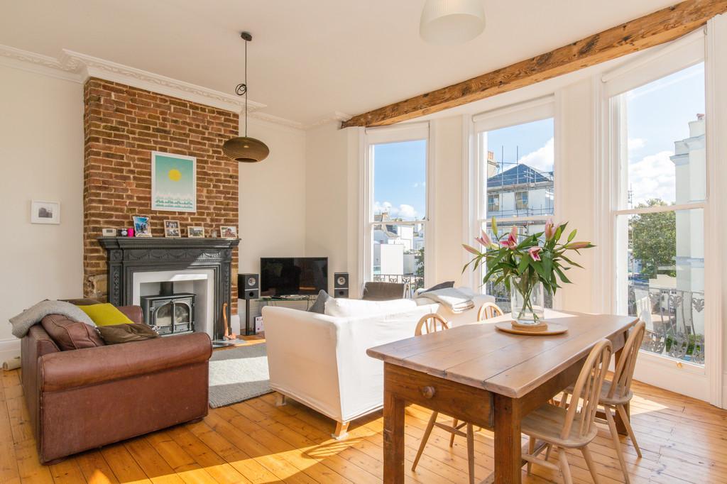 2 Bedrooms Apartment Flat for sale in Medina Villas, Hove, BN3 2RL