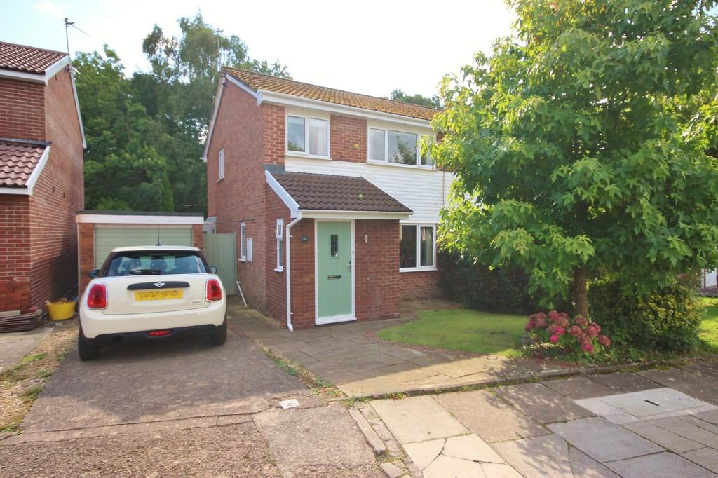 3 Bedrooms Semi Detached House for sale in Parc Y Fro, Creigiau, Cardiff