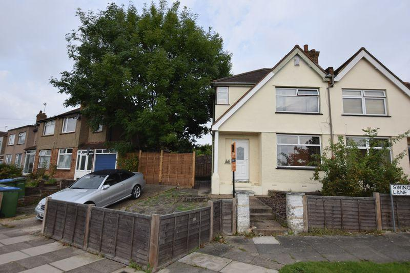 3 Bedrooms Semi Detached House for sale in Swingate Lane, Plumstead/Welling Borders