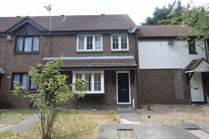 3 Bedrooms Terraced House for sale in Goldfinch Road, West Thamesmead, SE28 0DF