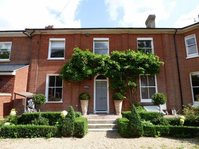 4 Bedrooms House for sale in London Road, Cuckfield