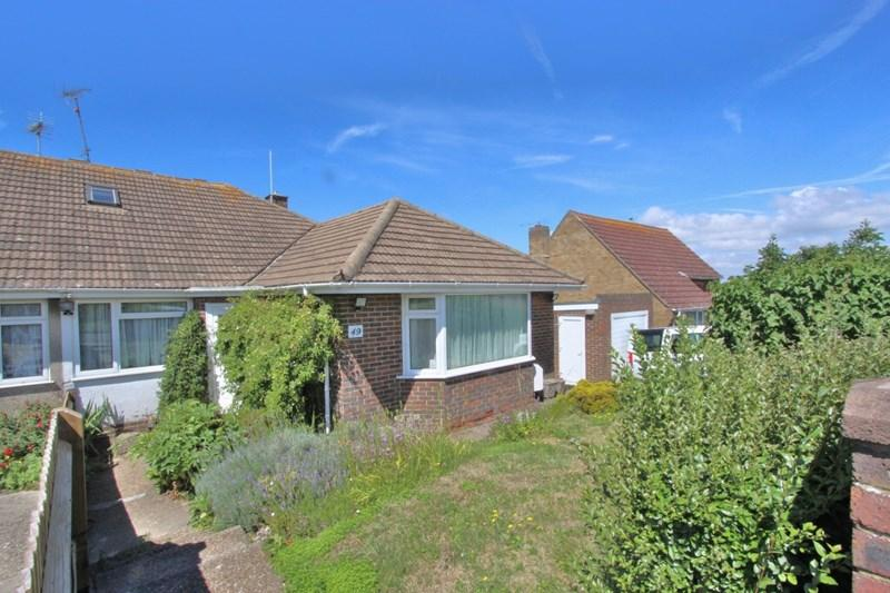 4 Bedrooms Semi Detached Bungalow for sale in Ditchling Crescent, Brighton