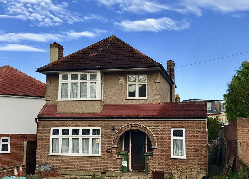 3 Bedrooms Detached House for sale in Royal Oak Road, Bexleyheath