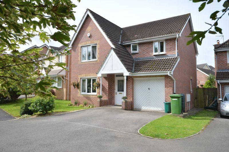 4 Bedrooms Detached House for sale in 18 St Peters Avenue, Llanharan, Pontyclun, CF72 9UQ