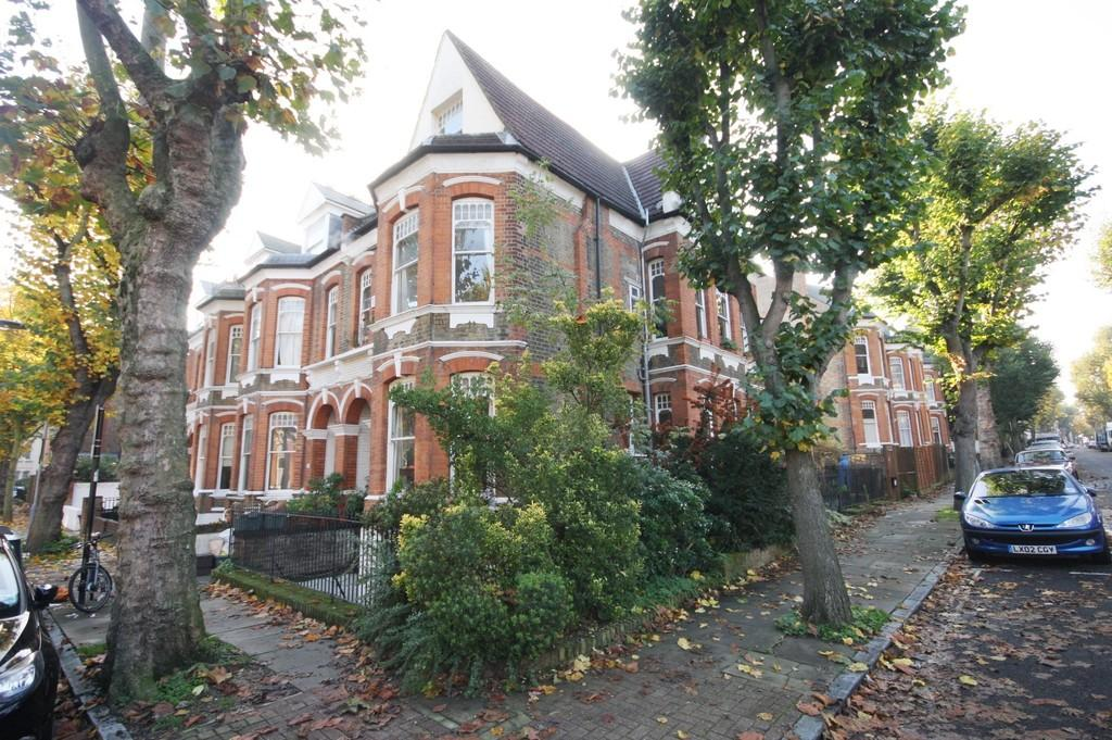 3 Bedrooms Apartment Flat for sale in Sotheby Road, N5 2UT
