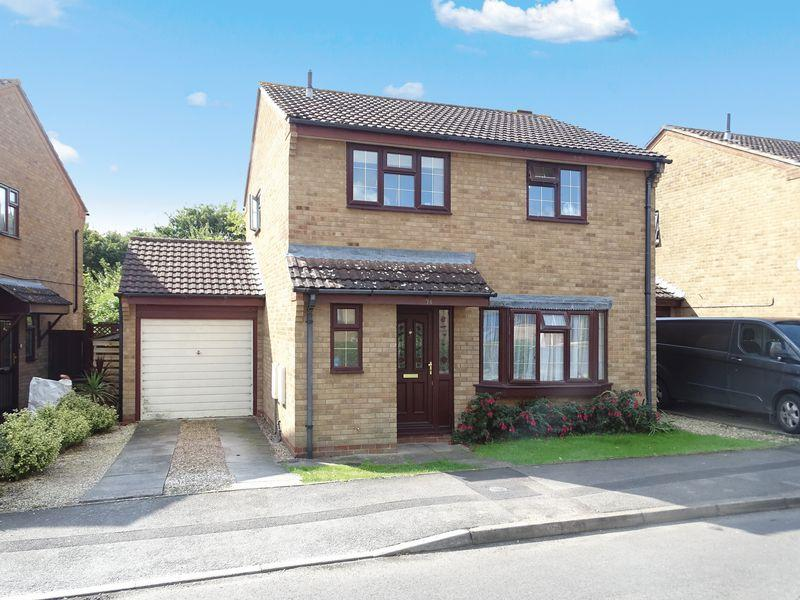 4 Bedrooms Detached House for sale in Locking Close, Melksham