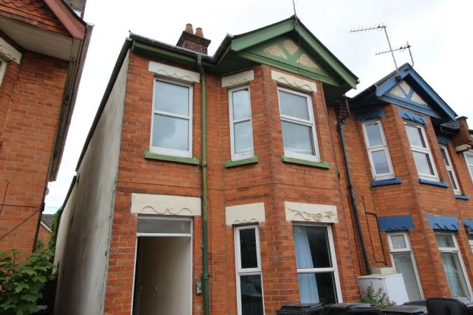 2 Bedrooms Flat for sale in St. Clements Road, Bournemouth