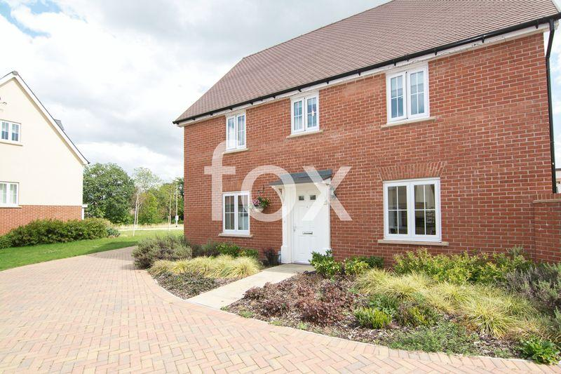 4 Bedrooms Detached House for sale in Beehive Lane, Hockley