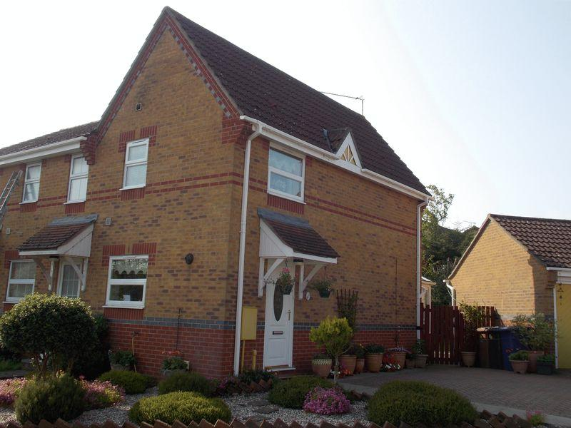 2 Bedrooms Terraced House for sale in Brayfield Close, Bury St Edmunds