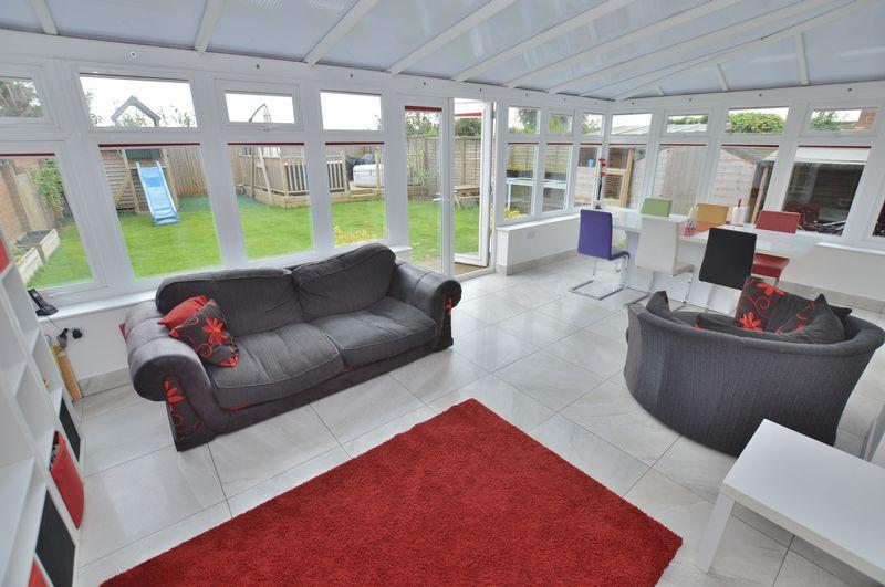 3 Bedrooms End Of Terrace House for sale in 51 Stenner Road, Coningsby