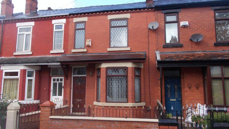 3 Bedrooms Terraced House for sale in Belgrave Road, Manchester