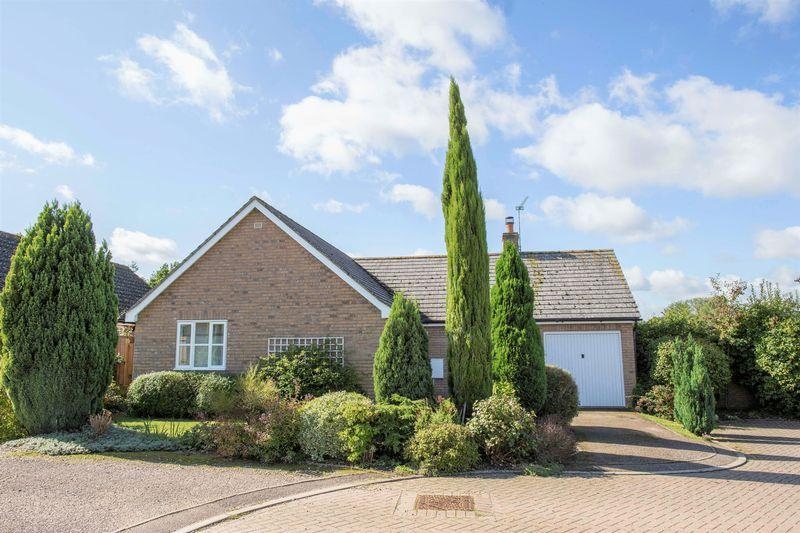 2 Bedrooms Detached Bungalow for sale in The Paddocks, Badwell Ash