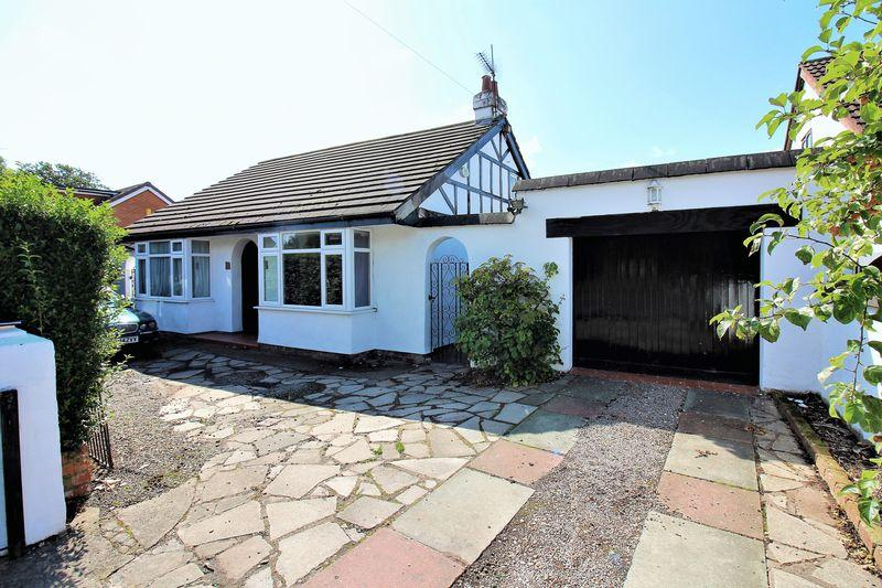 4 Bedrooms Detached Bungalow for sale in Saughall Road, Chester