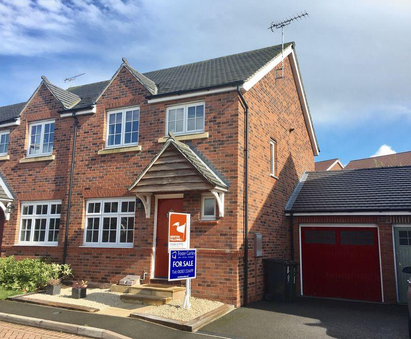 3 Bedrooms Semi Detached House for sale in Kent Way, Swadlincote