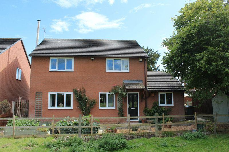 4 Bedrooms Detached House for sale in The Parklands, Cockshutt, Ellesmere, Shropshire, SY12 0LN