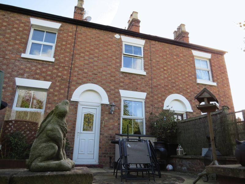 2 Bedrooms Terraced House for sale in Brook Gardens, Off Brook Street, Belle Vue, Shrewsbury, SY3 7QS