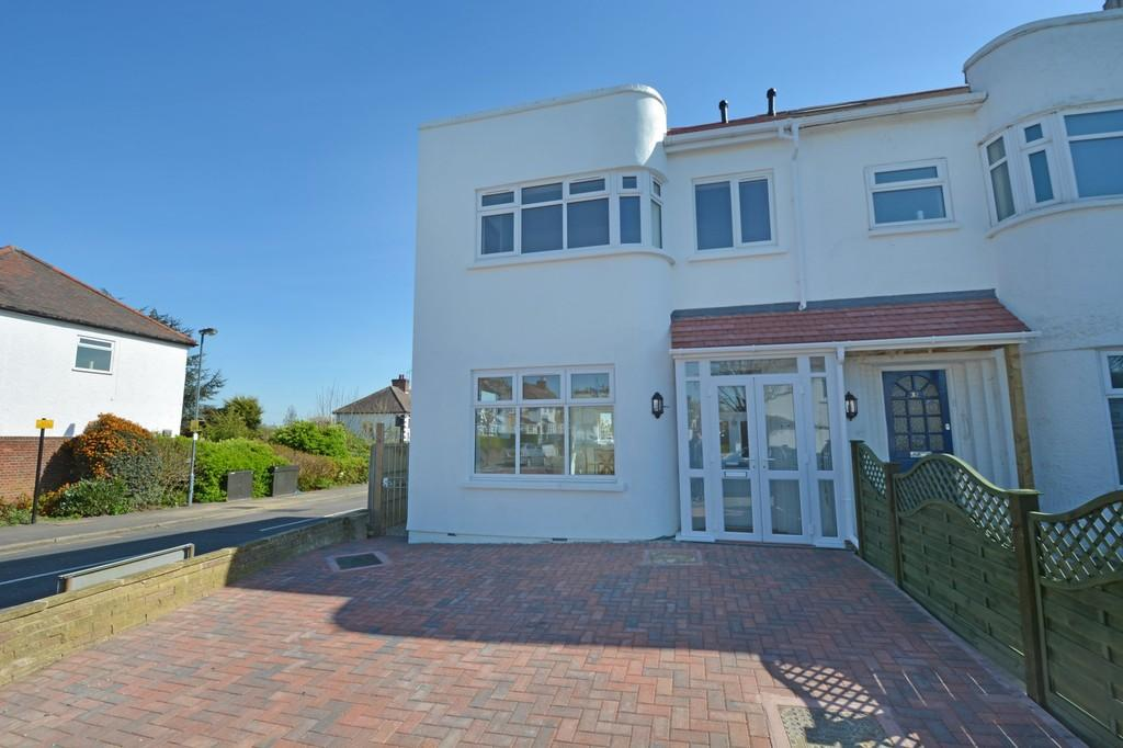 3 Bedrooms End Of Terrace House for sale in Ashbourne Avenue, South Woodford