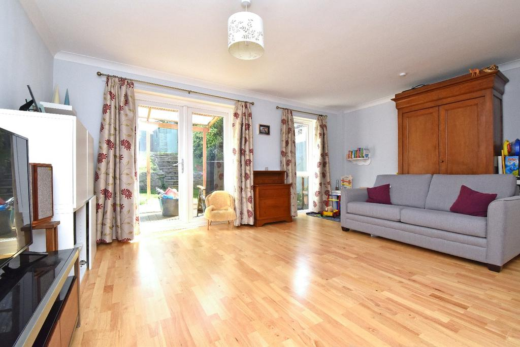 3 Bedrooms Terraced House for sale in Ambleside, Bromley