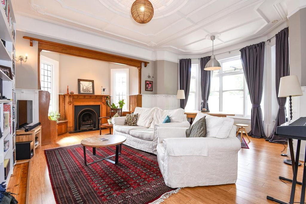 3 Bedrooms Flat for sale in Stanhope Road, Highgate