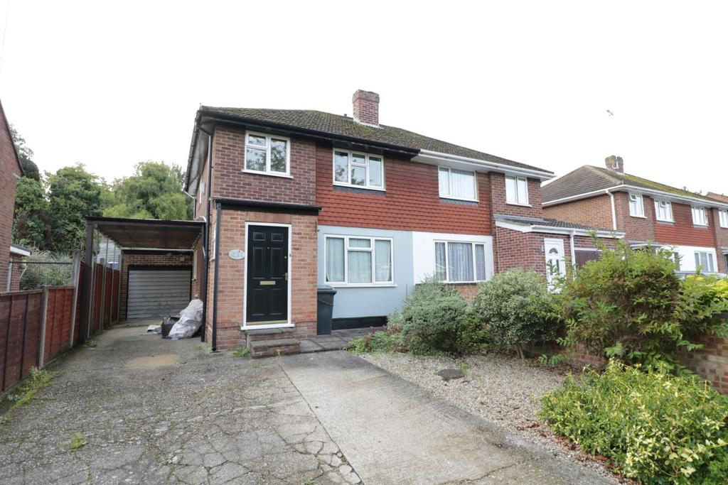 3 Bedrooms Semi Detached House for rent in Overdown Road, Tilehurst