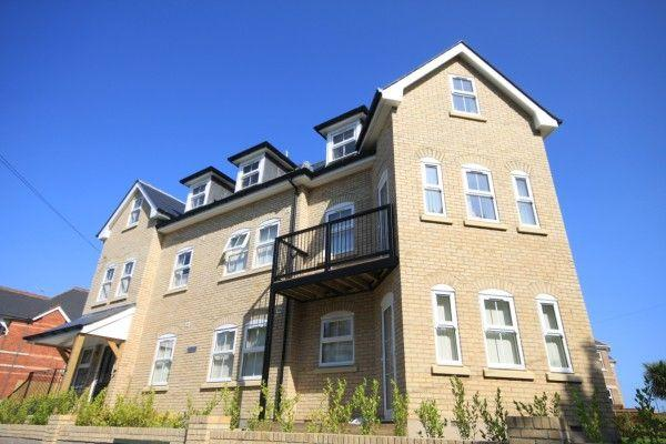 2 Bedrooms Flat for rent in Herbert Road, Alum Chine, BOURNEMOUTH