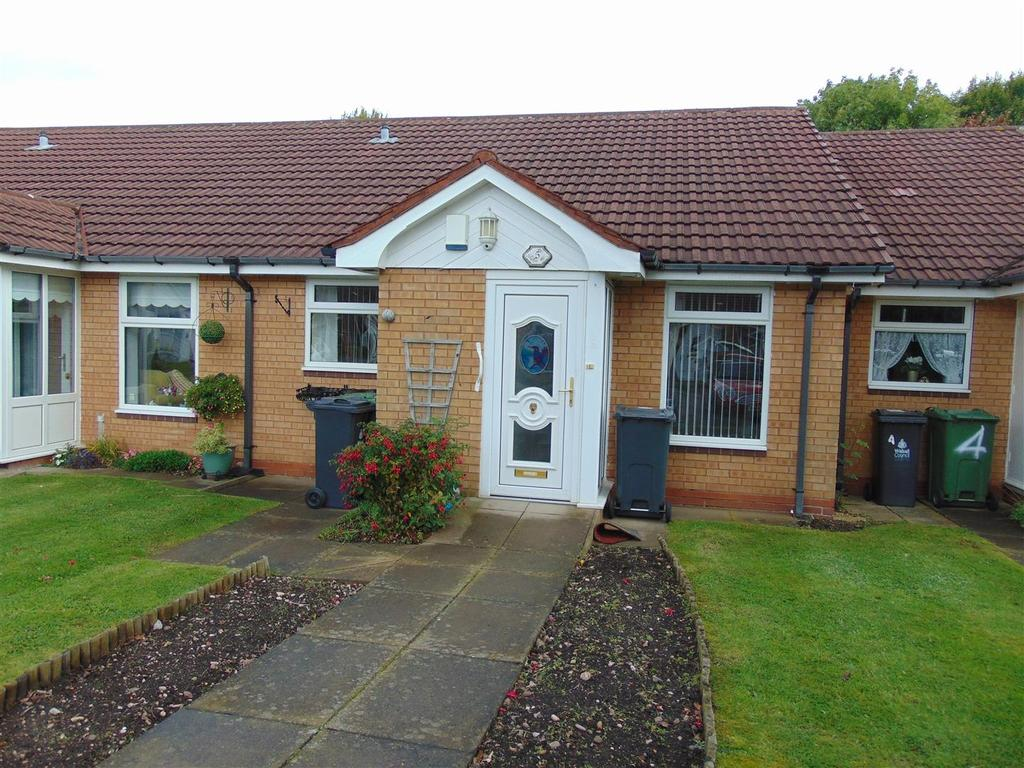2 Bedrooms Bungalow for sale in Twyford Close, Aldridge