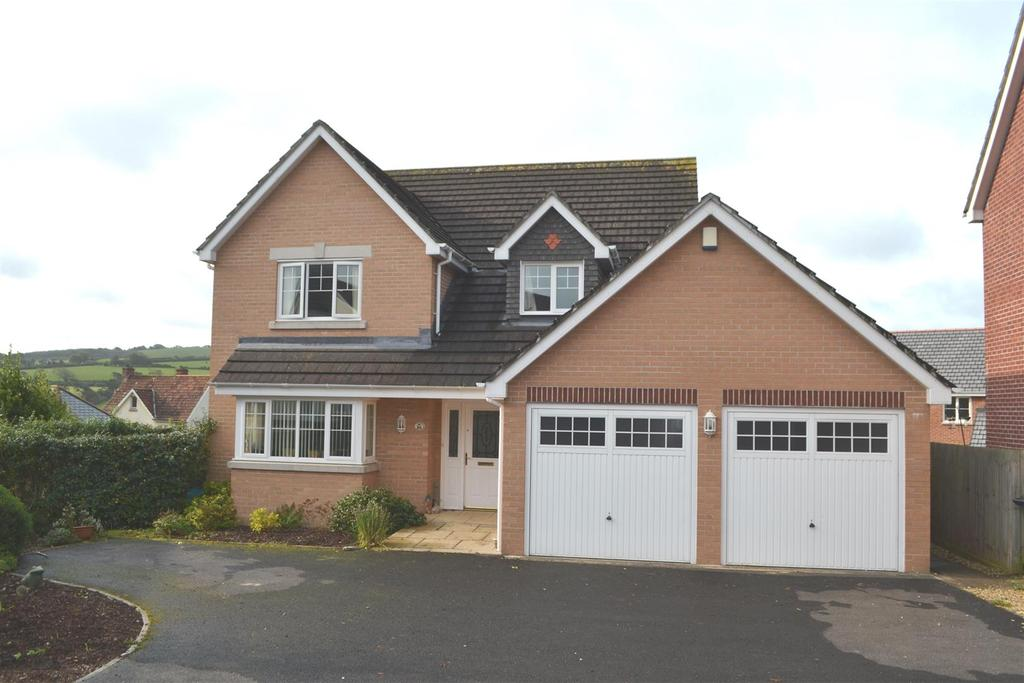 4 Bedrooms Detached House for sale in Cherry Tree Drive
