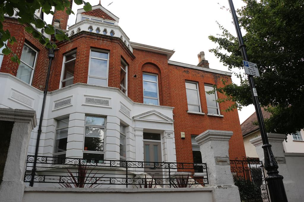 6 Bedrooms House for sale in Avenue Gardens, Acton