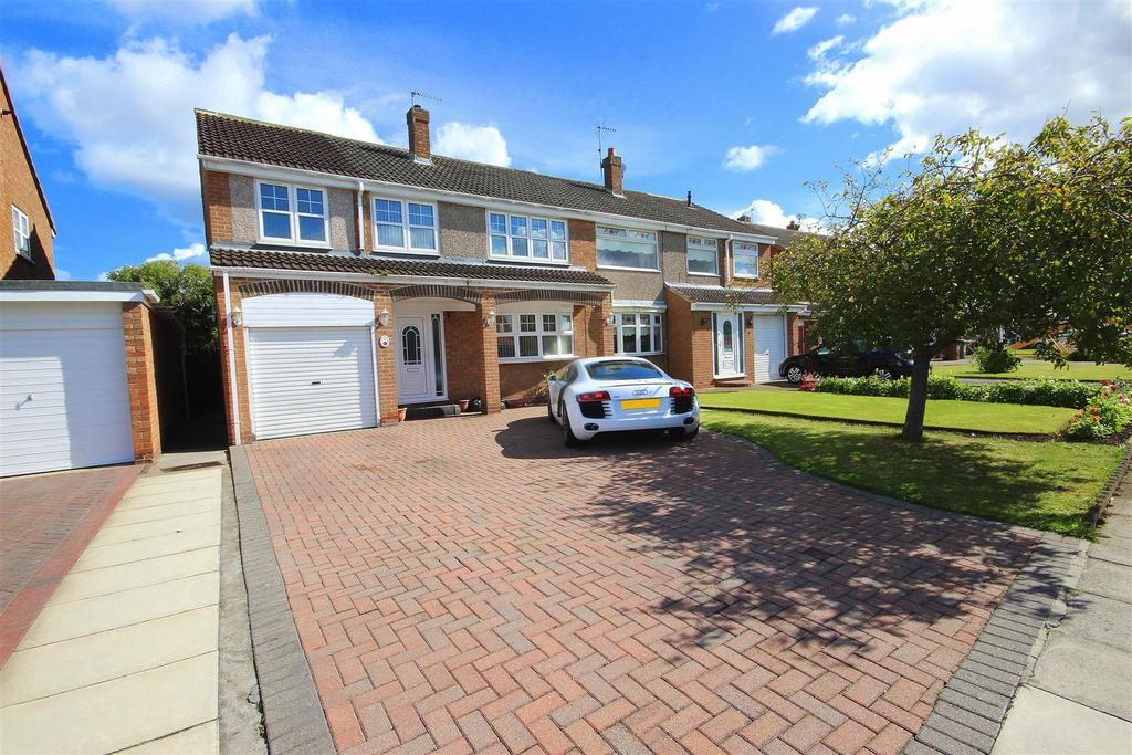 4 Bedrooms Semi Detached House for sale in Crowland Road, Fens Estate, Hartlepool