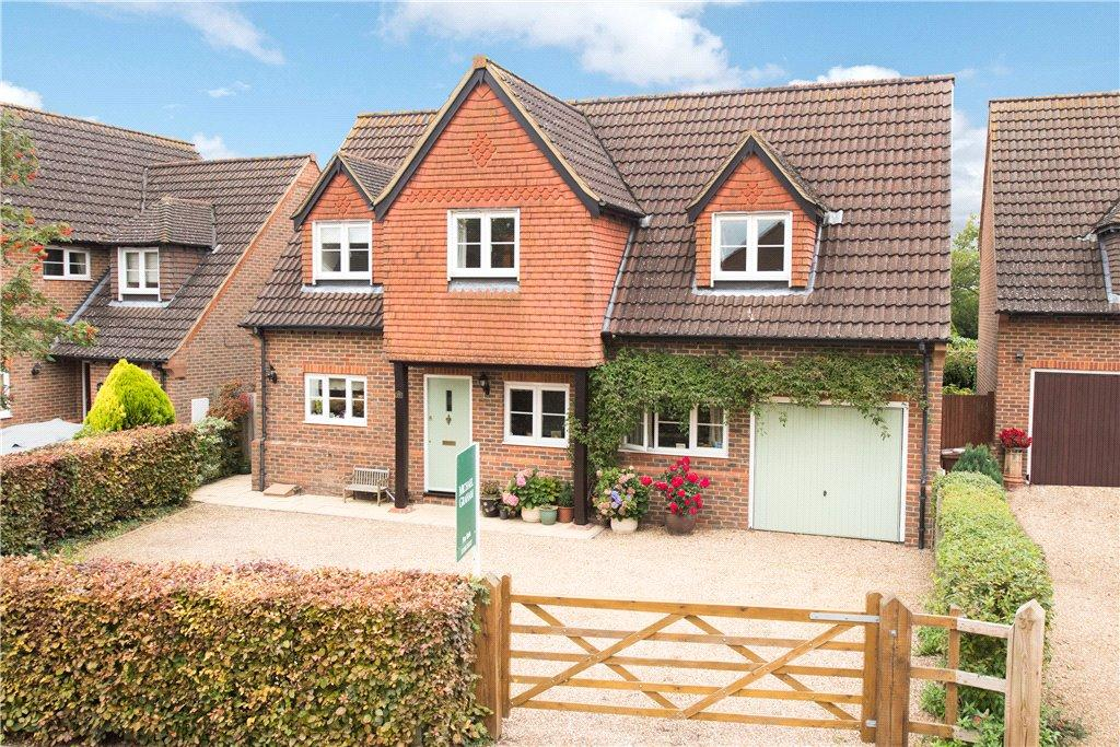 4 Bedrooms Detached House for sale in Chequers Lane, Pitstone, Leighton Buzzard, Buckinghamshire