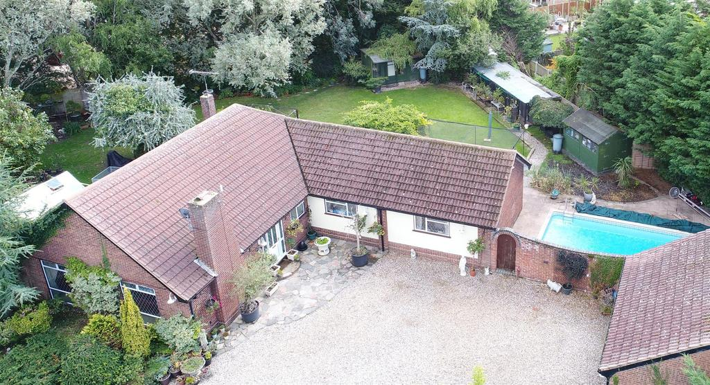 4 Bedrooms Detached Bungalow for sale in Latchingdon Road, Cold Norton