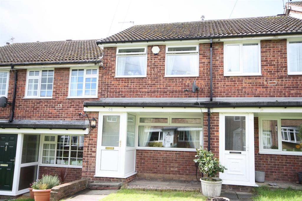 2 Bedrooms Terraced House for sale in Woodlea Grove, Yeadon
