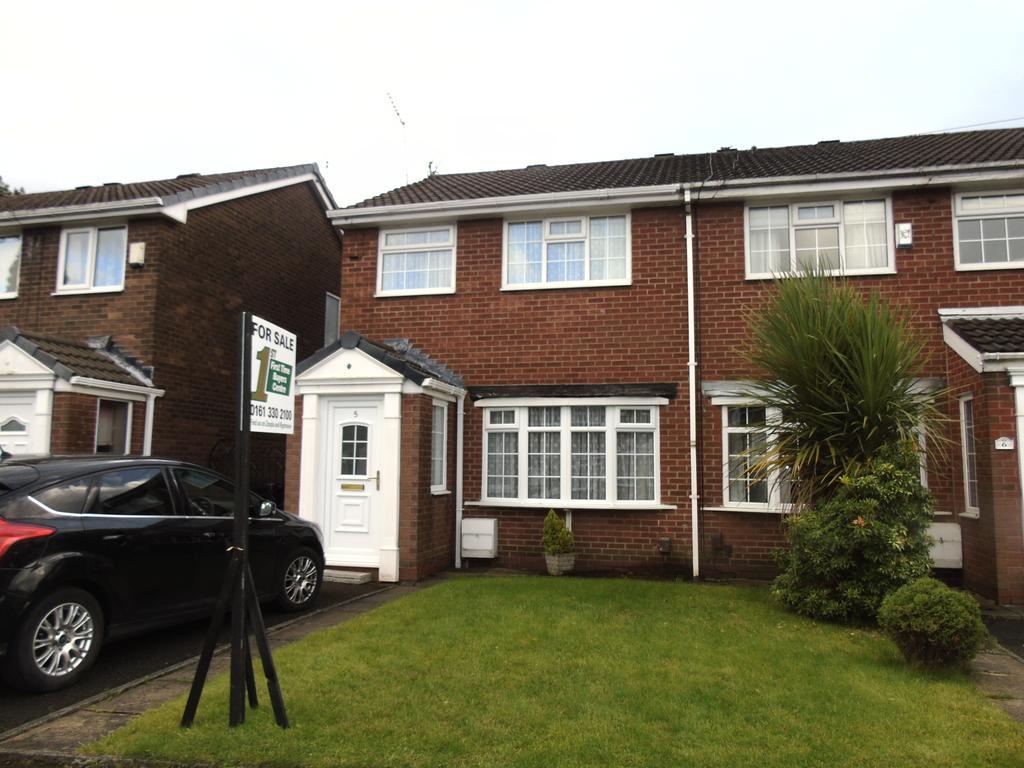 3 Bedrooms Town House for sale in Sharon Close, Ashton-under-Lyne OL7